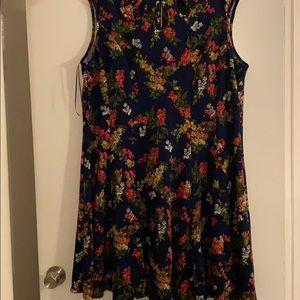 Swingy knit navy multi dress. Sz 18W